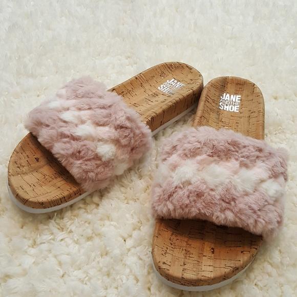 321185a72a12 JANE AND THE SHOE Kate Faux Fur Slide Sandal Women